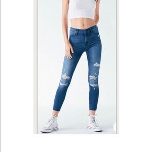NWT Pacsun High Waisted Ripped Jeans Stretch